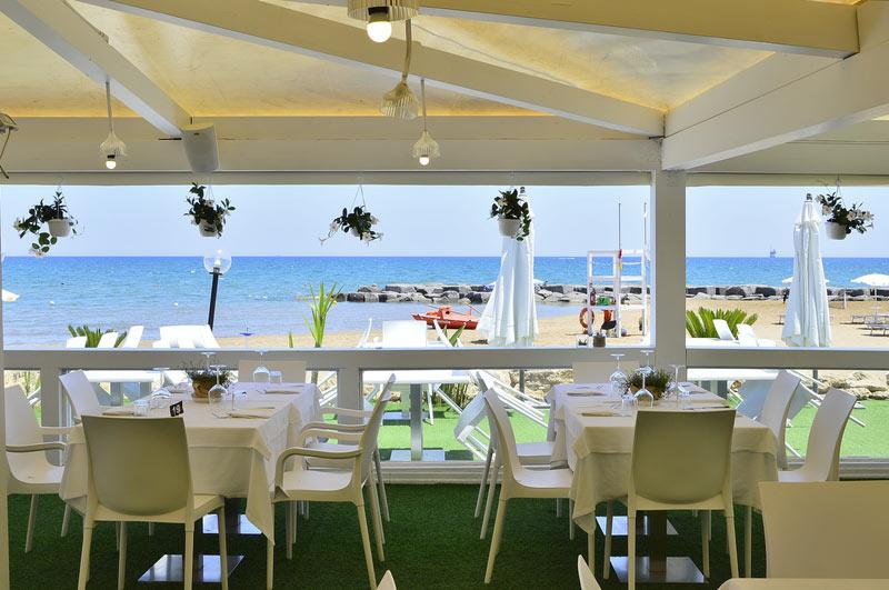 ristorante-con-terrazza-vista-mare